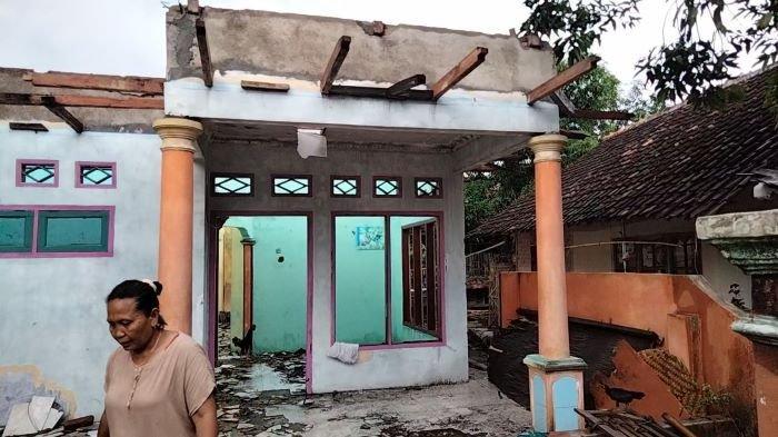 Warga 'Desa Miliarder' di Kuningan: Dapat Ganti Untung, Bangun Rumah Mewah, Eh, Harus Dibongkar Lagi