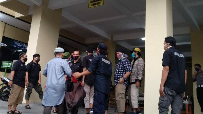 Detik-detik Mantan Napi Kasus Terorisme di Tasikmalaya Dikembalikan ke Keluarganya