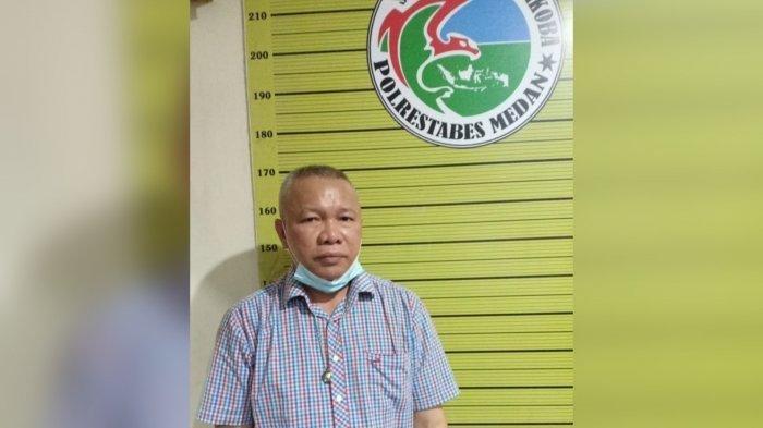 Potret Sekretaris Daerah (Sekda) Nias Utara Yafeti Nazara saat ditangkap Polrestabes Medan pada Minggu (13/6/2021) dini hari.  (HO)