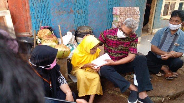 Mak Esih, Lansia Sebatang Kara di Ciamis yang Kini Ngungsi, Rumahnya Runtuh Porak-poranda
