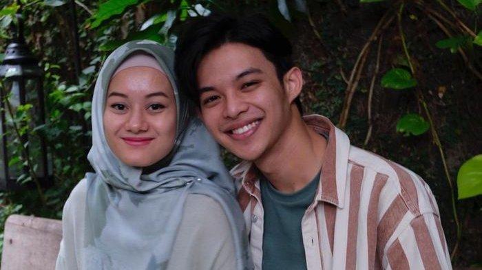 Dinda Hauw dan Rey Mbayang akan beradu peran di film Cinta Subuh setelah menikah beberapa waktu lalu.
