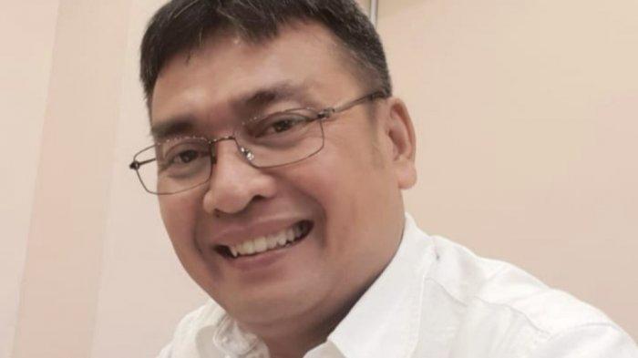 Direktur Bisnis Jaringan dan Layanan keuangan PT Pos Indonesia (Persero) Charles Sitorus
