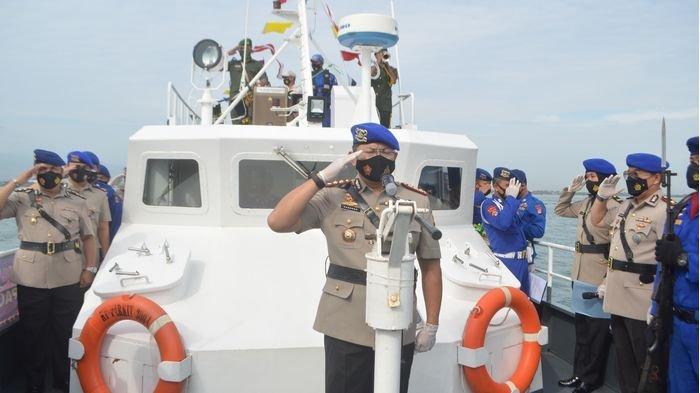 Upacara Tabur Bunga di Laut, Dirpolairud Polda Jabar Minta Jajarannya Meneladani Para Pahlawan