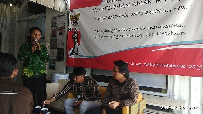 Revisi UU KPK yang Sudah Disahkan Pemerintah dan DPR Diskusikan Mahasiswa di Bandung