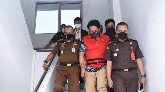 Korupsi Merugikan Negara Rp 52 M, eks Pejabat Posfin Ditahan Penyidik Kejati Jabar