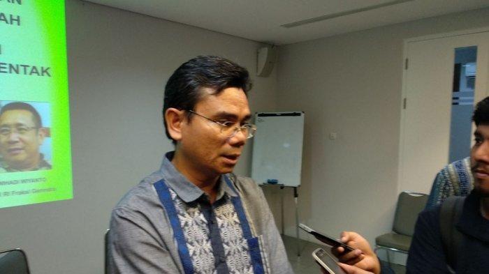 Survei SMRC: Pengguna Internet Cenderung Dukung Prabowo daripada Jokowi