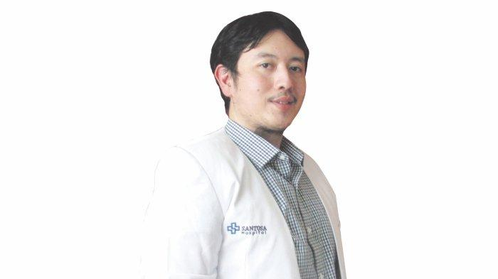 dr. Hadian Adhipratama, Sp.Bs Dokter Spesialis Bedah Saraf RS. Santosa Kopo