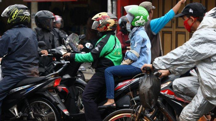 Pemotor Di Bandung Boleh Bawa Penumpang Psbb Diperpanjang Sampai 19 Mei Tribun Jabar