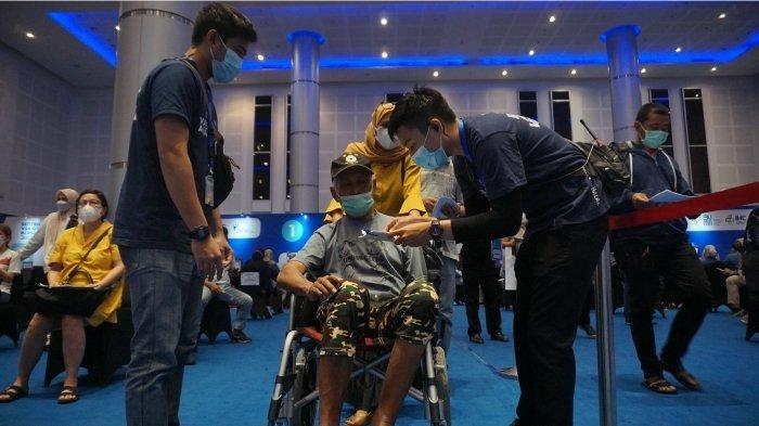 Sentra Vaksinasi Bersama BUMN Surabaya Dorong Tingkat Vaksinasi Jatim Tertinggi di Indonesia.