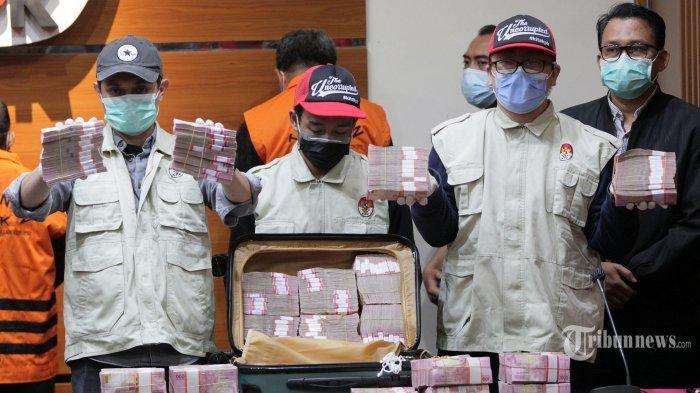 Duit dalam koper yang disita KPK dalam kasus suap Gubernur Sulsel Nurdin Abdullah