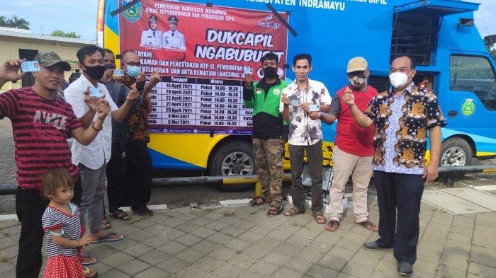 Sambil Ngabuburit, Warga Indramayu Bisa Bikin KTP-el dan Akta Kelahiran Secara Gratis