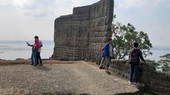 Tempat Wisata Baru yang Ramai di Medsos, Tebing Boyer, Spot Foto Tersembunyi di Sukatani Purwakarta