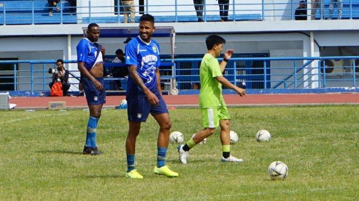 Pemain Asing Seleksi Persib Bandung Joel Vinicius Cetak Gol, Ini Kata Yaya Usai Gelar Gim Internal