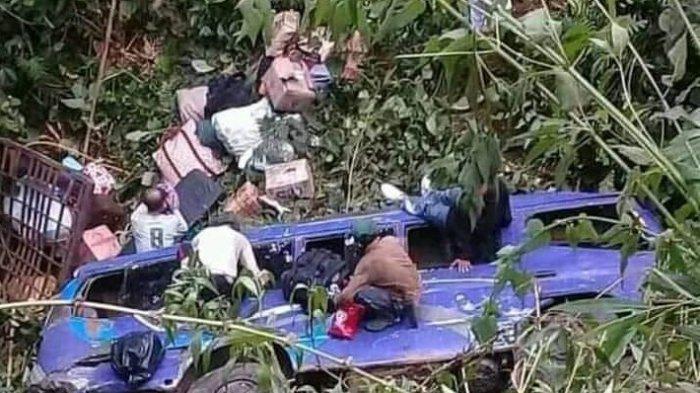 BREAKING NEWS, Elf Bawa 23 Pemudik Masuk Jurang Sedalam 20 Meter di Cianjur, Satu Orang Tewas