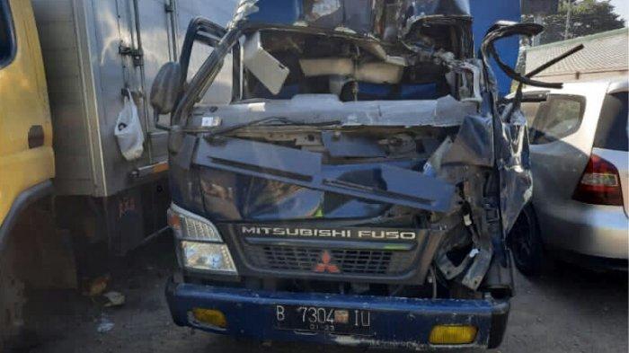 KECELAKAAN MAUT di Tol Cipularang KM 86, Elf Tabrak Belakang Truk, Satu Orang Tewas dan 2 Luka-luka