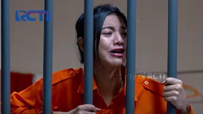 Elsa menangis di penjara