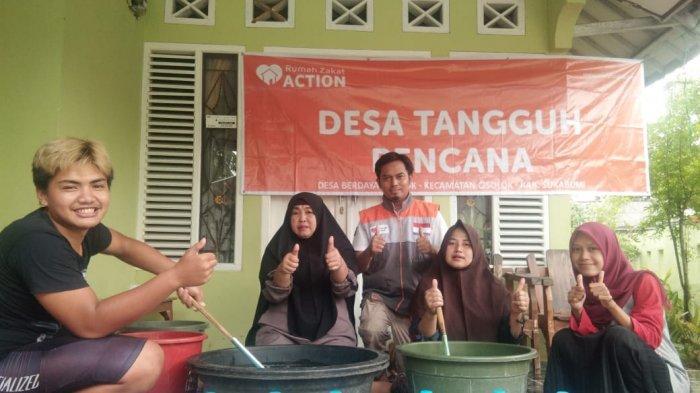 Tetap Berpenghasilan saat Pandemi, Emak-emak di Cisolok Sukabumi Produksi Deterjen Rumahan