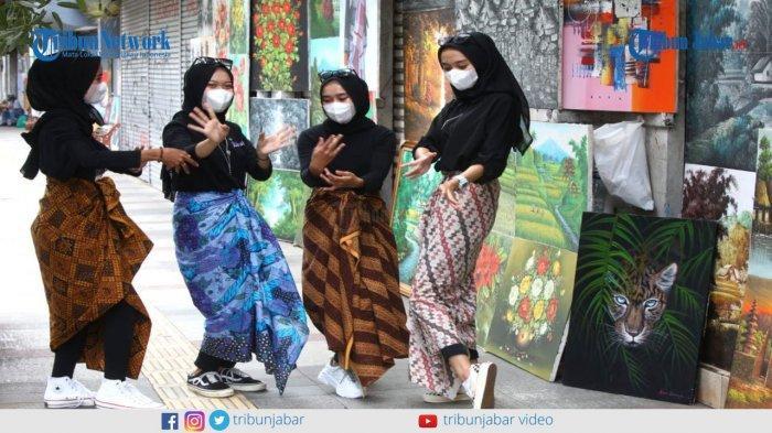 Pemulihan Ekonomi Industri Kreatif Lewat Kain Batik Khas Bandung