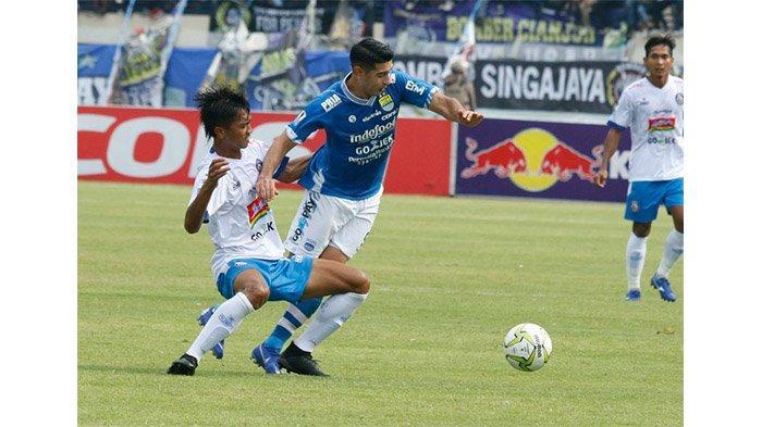 Persib Bandung Bawa Esteban Vizcarra ke Surabaya, ''Saya Siap Main''