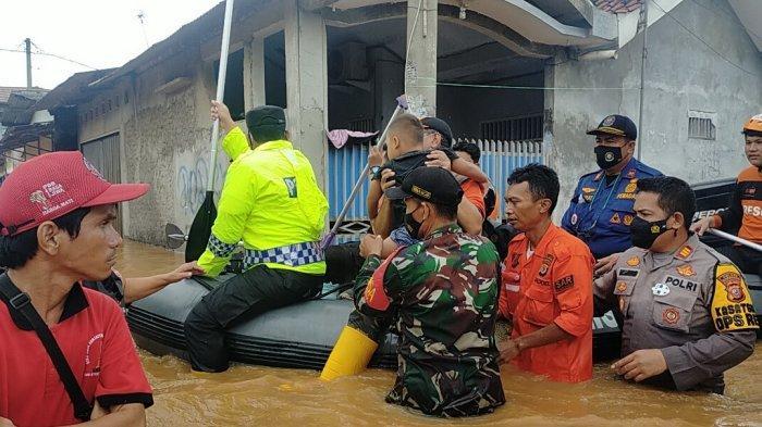 2000 Jiwa Mengungsi, 17 Desa di 13 Kecamatan Kabupaten Karawang Terendam Banjir