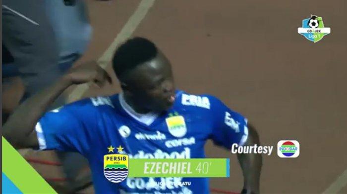 Cuplikan Gol Persib Bandung - Tandukkan King Eze Buat PSIS Ketinggalan 0-1 di Babak Pertama