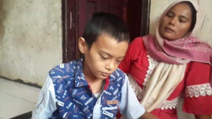 Siswa SMP di Sukabumi Tidak Bisa Melihat Akibat Kanker, Sekolah Galang Dana untuk Pengobatan
