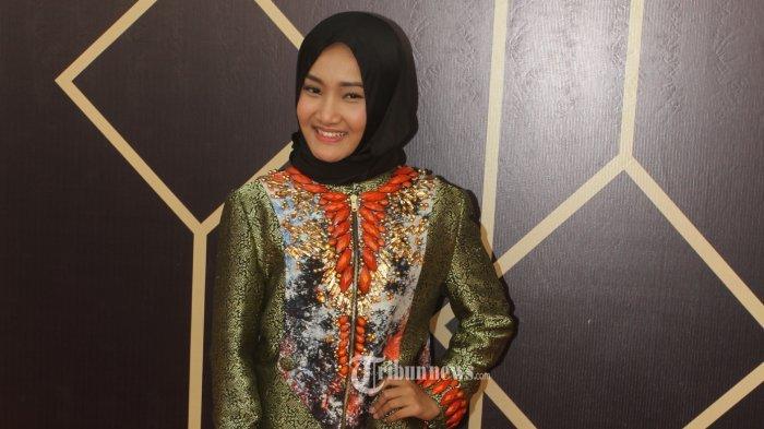 Penyanyi Fatin Shidqia Lubis Positif Covid-19, Kondisinya Drop, Harus Pakai Alat Bantu Pernafasan