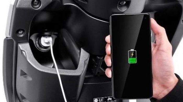 Yamaha Lebih Pilih Sematkan Soket Car Charger di Sepeda Motor Gear 125, Ini Alasannya