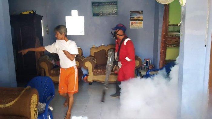 10 Warga Desa Adi Dharma Ciebon Positif Demam Berdarah, Pemdes Fogging di Rumah-rumah
