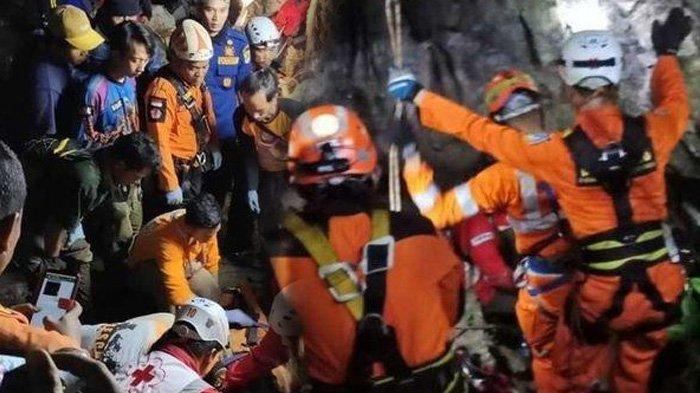 FOTO-FOTO Evakuasi 3 Mahasiswa Unsika yang Meninggal Teperangkap di Goa Lele Karawang