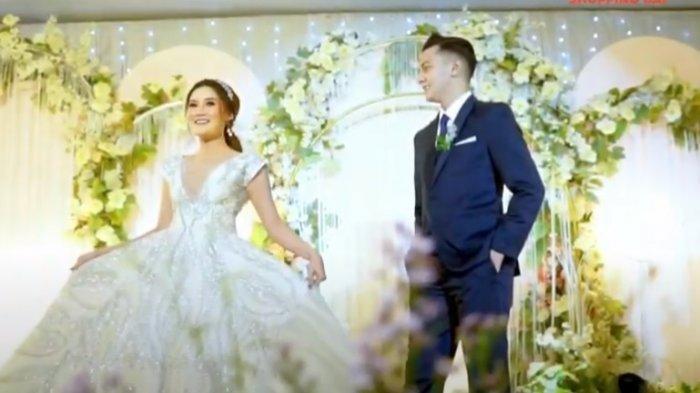 Foto pernikahan Nella Kharisma dan Dory Harsa 2 (Tangkap Layar Kanal Youtube Shopee)
