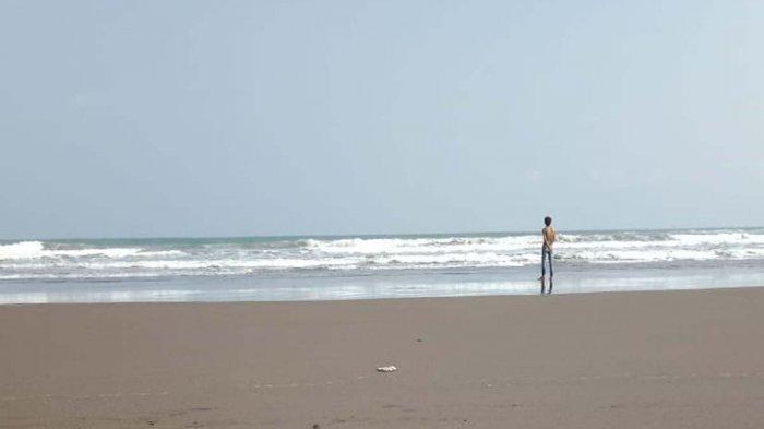 Foto Terakhir Detik-detik Remaja Ciamis Terseret Arus Pantai Pangandaran, Malam Ini Belum Ditemukan