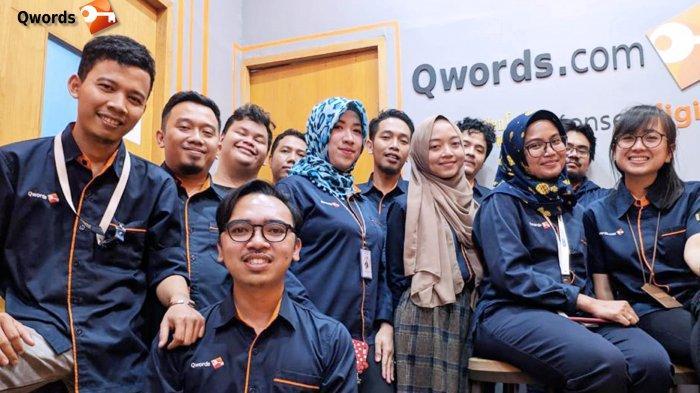 16 Tahun Qwords untuk Indonesia: Bangkit Bersama Melalui Website & Bisnis Online