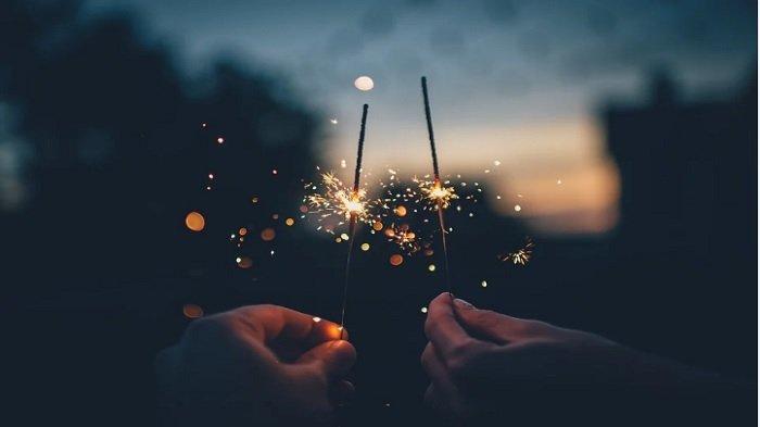 Malam Tahun Baru di Rumah Aja? Jangan Sedih, Ini Cara Seru Sambut Tahun Baru 2021 Meski di Rumah