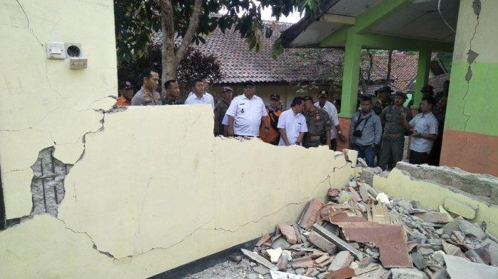 3 Gedung SD di Sukabumi Rusak Berat Akibat Gempa Bumi, Ratusan Murid Libur Sementara