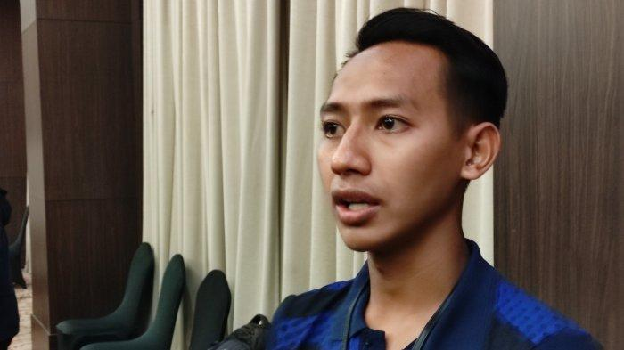 Gelandang masa depan Persib Bandung, Beckham Putra Nugraha sempat mengalami cedera meniskus hingga membuatnya terpaksa absen selama 3 bulan.