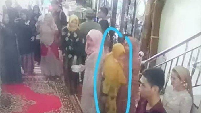 Gerak-gerik terduga pelaku pencurian di acara akad nikah di Kabupaten Sidrap terekam CCTV pemilik rumah.