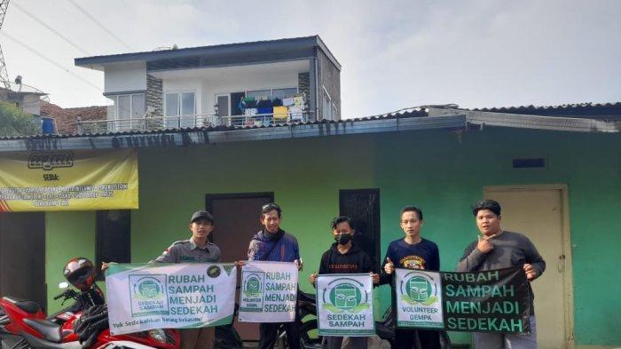 Ubah Sampah Jadi Berkah, Gerakan Sedekah untuk Beli Ambulans Gagasan Pemuda Cimanggung Sumedang