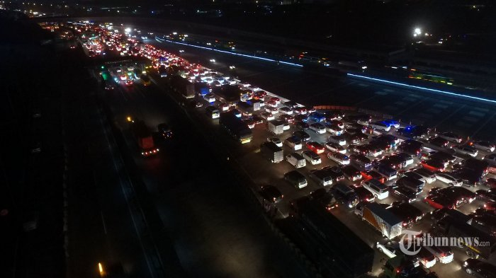 Minggu sampai Siang Tadi, Sekitar 99 Ribu Kendaraan Lintasi GT Cikarang Utama Menuju Arah Jakarta