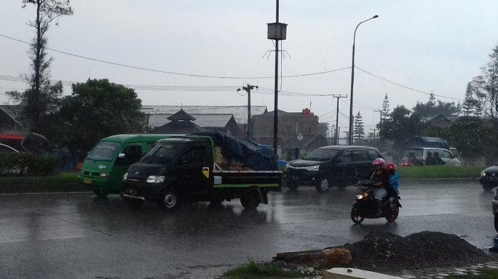 Prakiraan Cuaca, Dua Kabupaten Bertetangga di Timur Jabar ini Diprediksi Bakal Hujan Sore Nanti