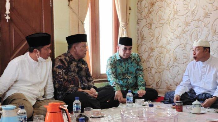 KH Adib Rofiuddin, Pimpinan Ponpes Buntet Cirebon Doakan Prabowo Subianto Seperti Ini