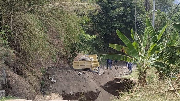 Jalan Amblas Akibat Proyek Terowongan PLTA Jatigede, Warga di Dua Desa Terdampak
