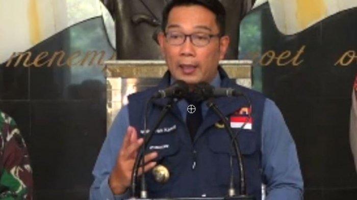 Heboh Gedung Sate Ditutup, Ridwan Kamil Kabarkan Lagi Moyan Bareng Bayinya di Halaman Rumah Dinas