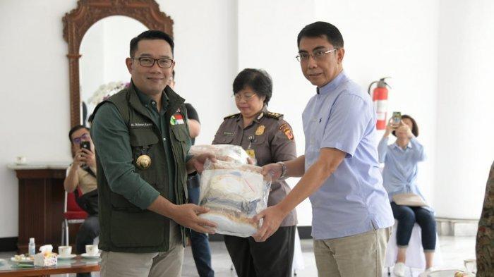 Pemprov Jabar Bagikan 1.000 APD kepada 34 RS Rujukan Kasus Corona di Jabar