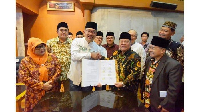 Pemprov Jabar Hibahkan Tanah untuk Universitas Persatuan Islam
