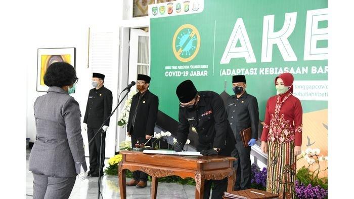 572 Kepala Sekolah Dilantik, Ridwan Kamil Berpesan Jangan Berpolitik