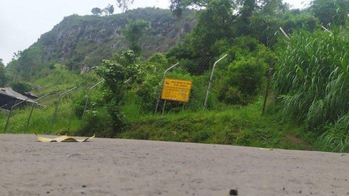Gunung Batu, Lembang, Kabupaten Bandung Barat, yang menjadi jalur Sesar Lembang.