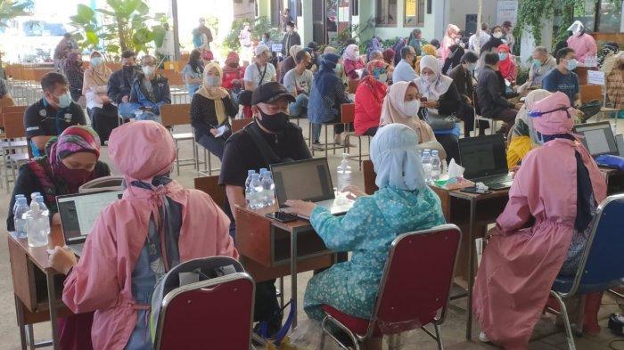 Sekitar 1.500 Guru se-Kecamatan Buahbatu Bandung Mendapat Vaksin Covid-19 di ZEC