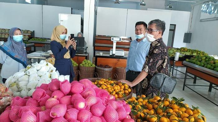 Begini yang Dilakukan Pengusaha di Cianjur Ini saat Pikirkan Nasib Karyawan Pabriknya yang Pensiun