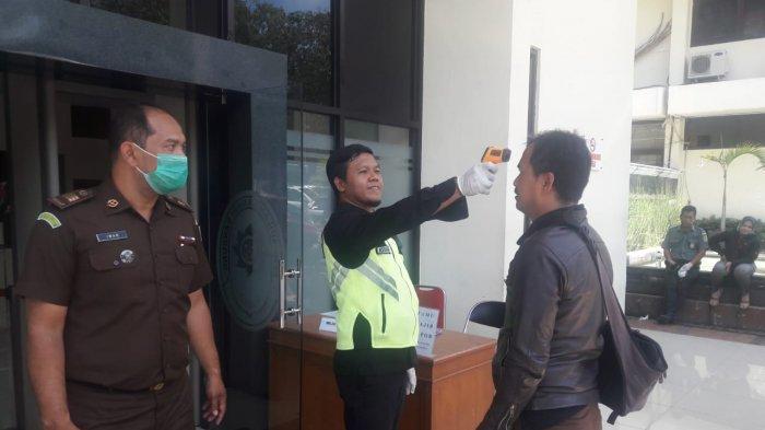 BREAKING NEWS, Seorang Hakim di PN Bandung Positif Covid-19, Jadwal Sidang Ditunda Satu Minggu